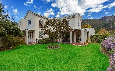 Lifestyle Opportunity on Zomerlust Estate