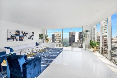 Spectacular Duplex Apartment. Only once in a while this kind of apartment comes along for