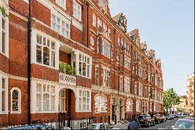 Studio flat for sale in the heart of Chelsea