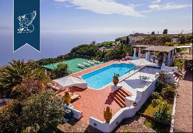 Charming estate with breathtaking views of the clear waters of the Aeolian Islands and the