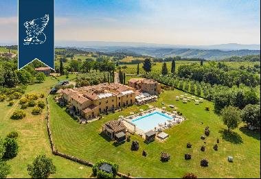 Prestigious panoramic estate with wonderful views of the Tuscan countryside