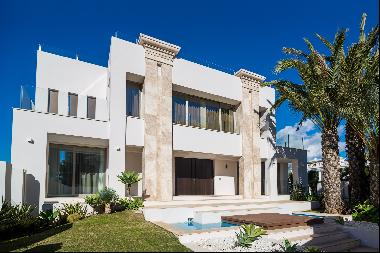 Newly built contemporary villa within walking distance to the beach