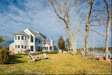 Lovely Water Front Home in Bay Point