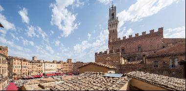 4 bedroom exclusive apartment for sale in Siena.A unique property, in a 16th century list