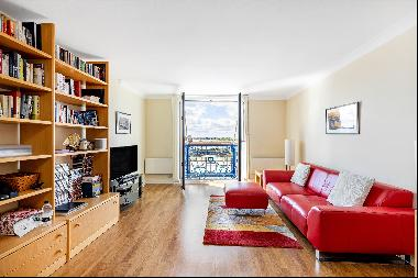 A large one bedroom apartment situated on the fifth floor of Papermill Wharf.