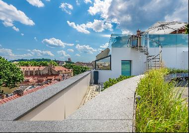 Exclusive Town House In Old Town