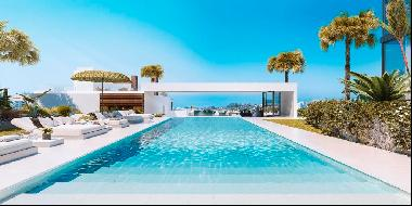 Luxury House in The List Rio Real, Marbella