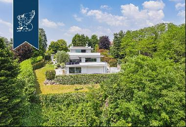 Estate of great architectural prestige for sale less than ten kilometres from Como