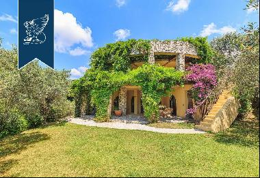 Luxury home with a view of the Tyrrhenian Coast, from the Gulf of La Spezia to Livorno