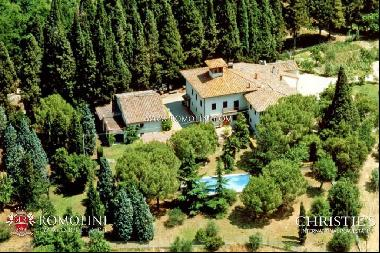 Tuscany - 17th-CENTURY MANOR VILLA FOR SALE IN CHIANTI, 40 KM FROM FLORENCE