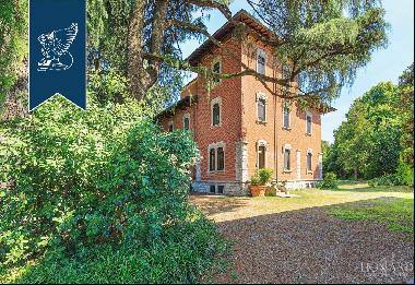 Luxury estate with outbuilding not far from the lakes and Malpensa Airport
