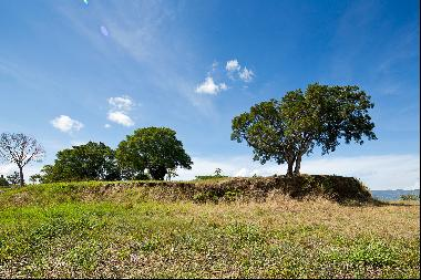 Scenic Mountains View Lot in la Guácima Gated Community