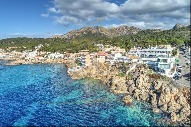 Fantastic modern new build ground floor apartment in Sant Elm in first sea line