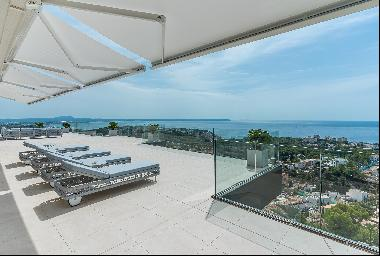 Penthouse with views in Genova