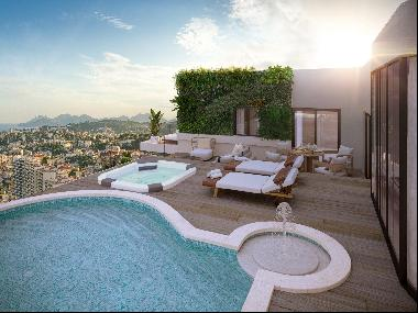 Renovated 4-bedroom penthouse apartment for sale near Cannes with a rooftop swimming pool
