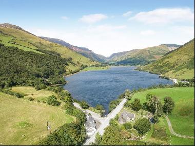 A lakeside property with exciting opportunities in Snowdonia National Park and in the lee