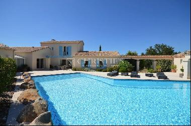 Beautiful modern villa with 1 ha of land in the Dordogne countryside