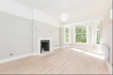 An immaculate two bedroom apartment for sale in SW7