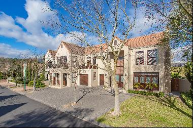 Perfect location on Boschenmeer Golf & Country Estate