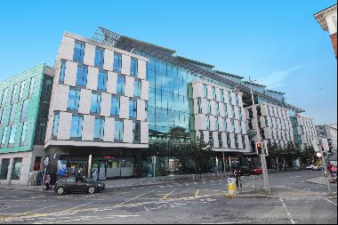 A unique opportunity to locate your business on Pearse Street, half way between The Dockla