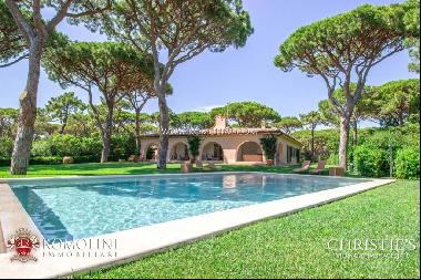 Tuscany - LUXURY VILLA FOR SALE IN THE PINEWOOD OF ROCCAMARE