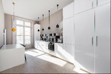 A 2 bedroom flat for sale on Englands Lane, NW3.