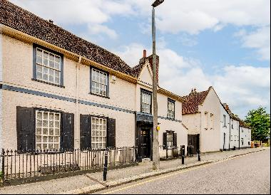Historic Grade II* listed town house