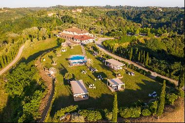 Stunning estate with 202 hectares in the heart of Tuscany