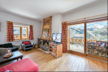 This charming chalet is located in a small, well-focused, popular and intimate village nea