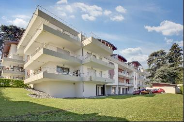 Sale PRETTY APARTMENT WITH BEAUTIFUL VIEW LAKE