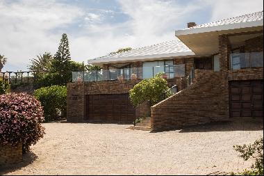 A SPECIAL HOME SEEPED IN HISTORY WITH UNINTERRUPTED SEA VIEWS AND DOLPHIN & WHALE-SPOTTIN