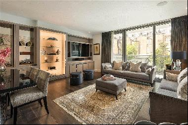 A 3 bed flat for sale in 199 Knightsbridge