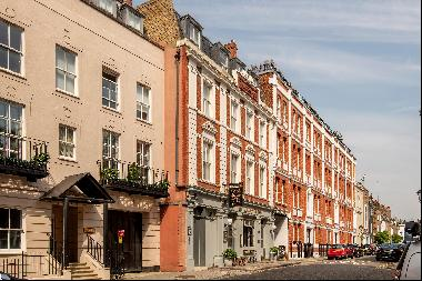 A superb 2 bedroom duplex apartment For Sale in Chelsea, SW3