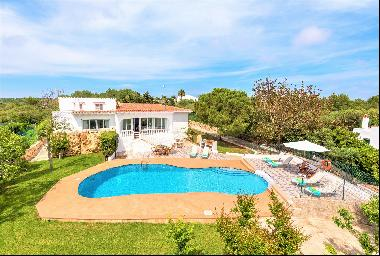 Exceptional villa with sea views in Binisafua