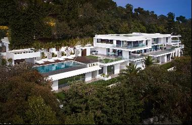 Cannes-Exceptional property