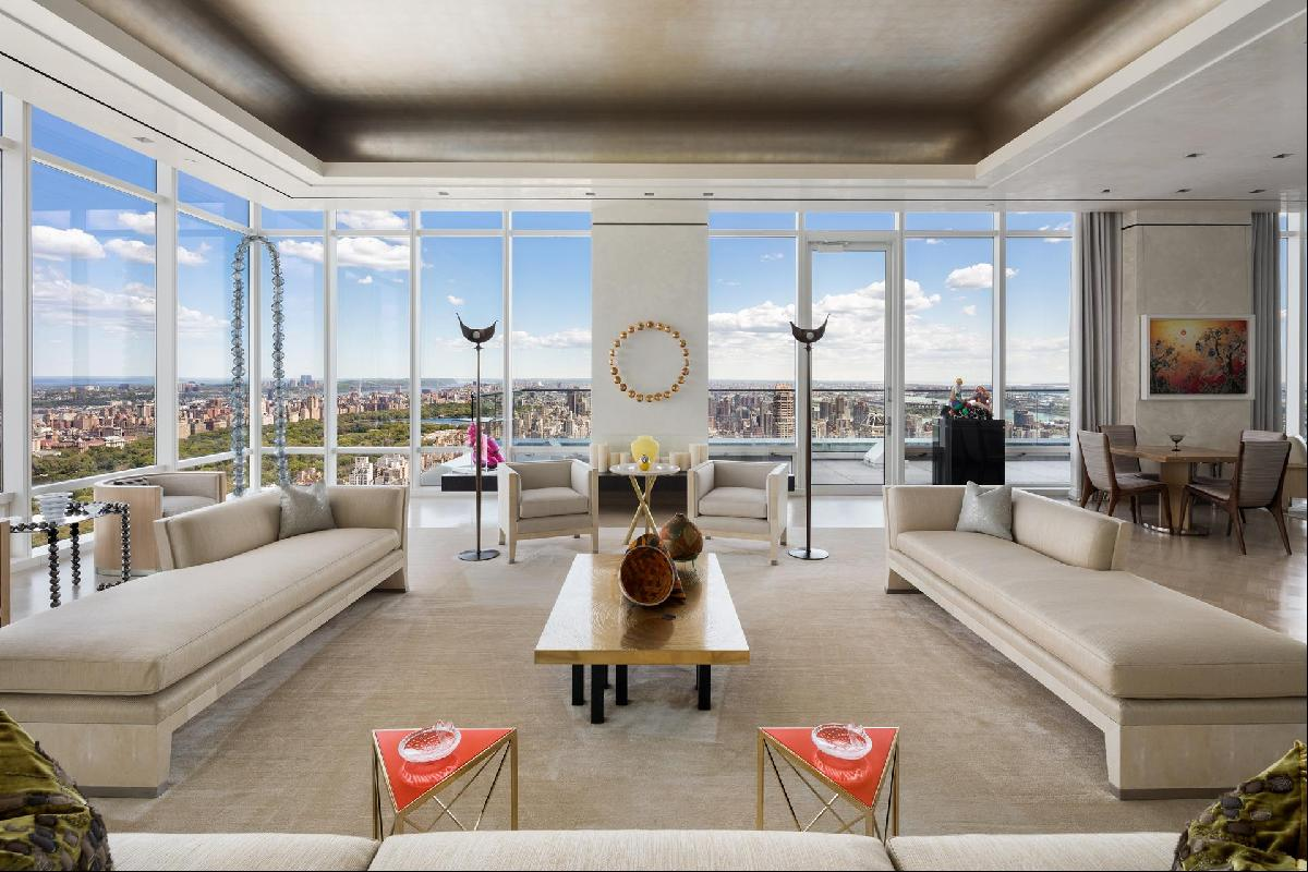 Penthouse 50 in One Beacon Court    Welcome to the most magnificent uptown condominium res