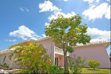 Prime Location! 19 Unit Apartment Complex next to Port Lucaya and Beach