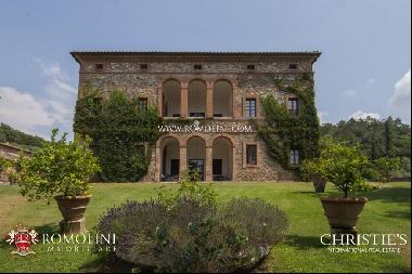 Tuscany - ESTATE WITH MANORIAL VILLA, VINEYARDS AND OLIVE GROVE