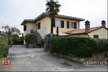 Tuscany - BED AND BREAKFAST FOR SALE IN LUCIGNANO