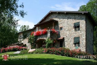 Tuscany - FARMHOUSE WITH POOL FOR SALE IN LUNIGIANA, TUSCANY